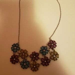 Jewelry - Colorful flower necklace.